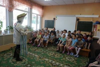 K воспитанникам  приезжал Корякский фольклорный ансамбль танца «Ангт» и с Алтая.